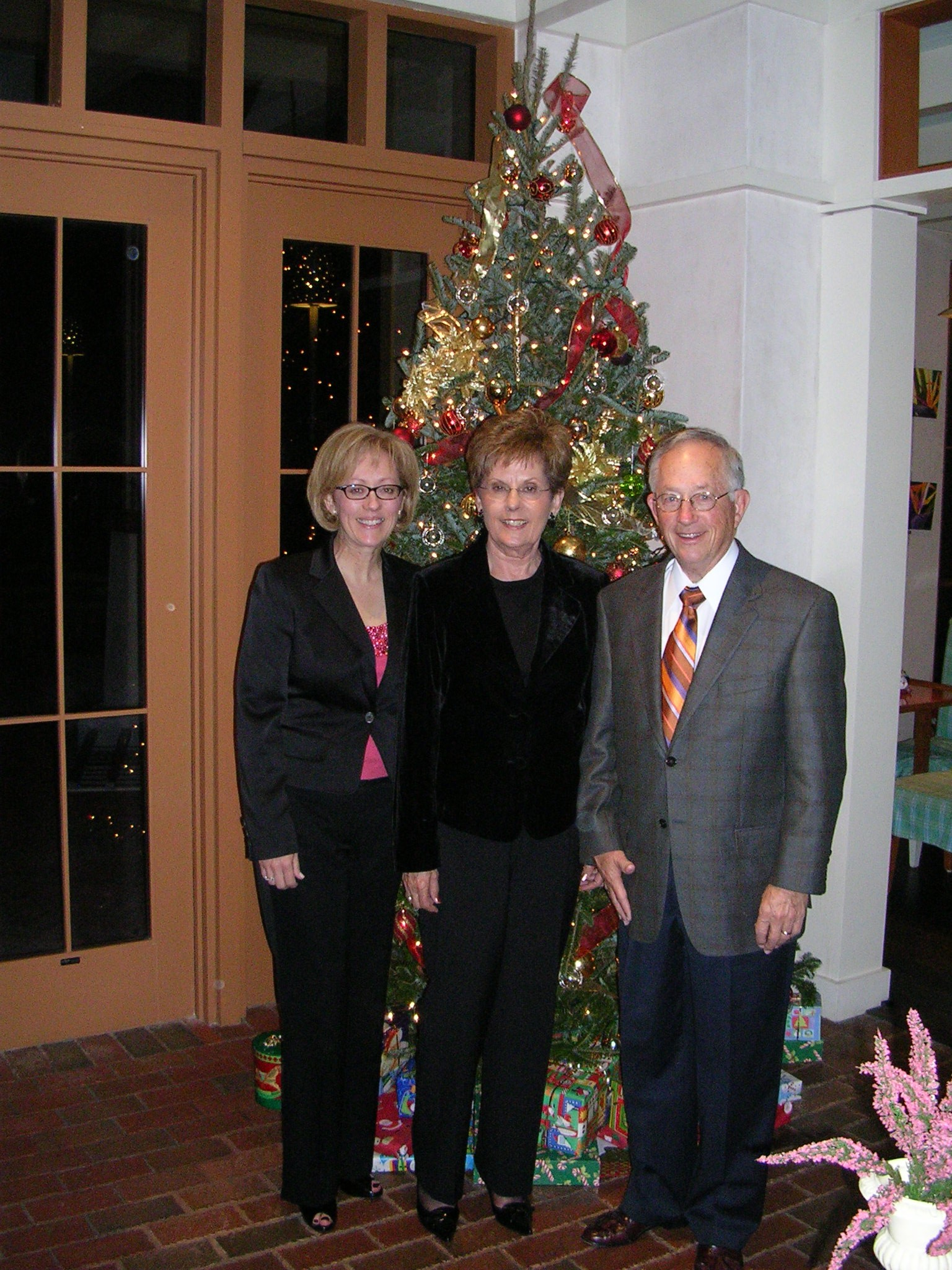 From left to right: Peri Widener, Luanne Widener and Wayne Widener